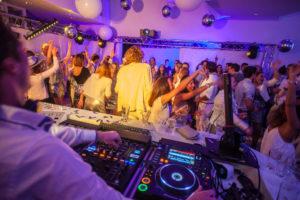 B-BE Trouwfeest DJ Publiek