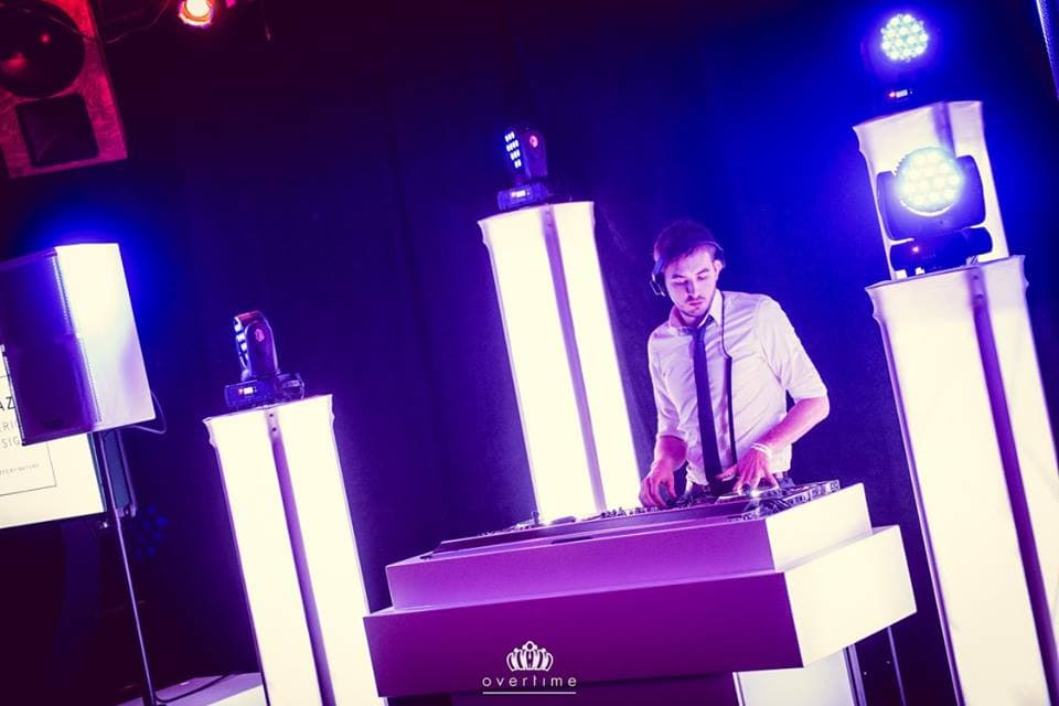Lounge DJ B-BE