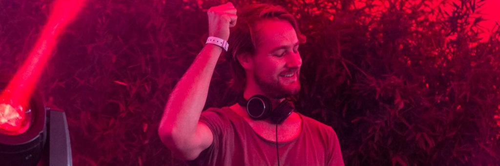 TOm'E DJ