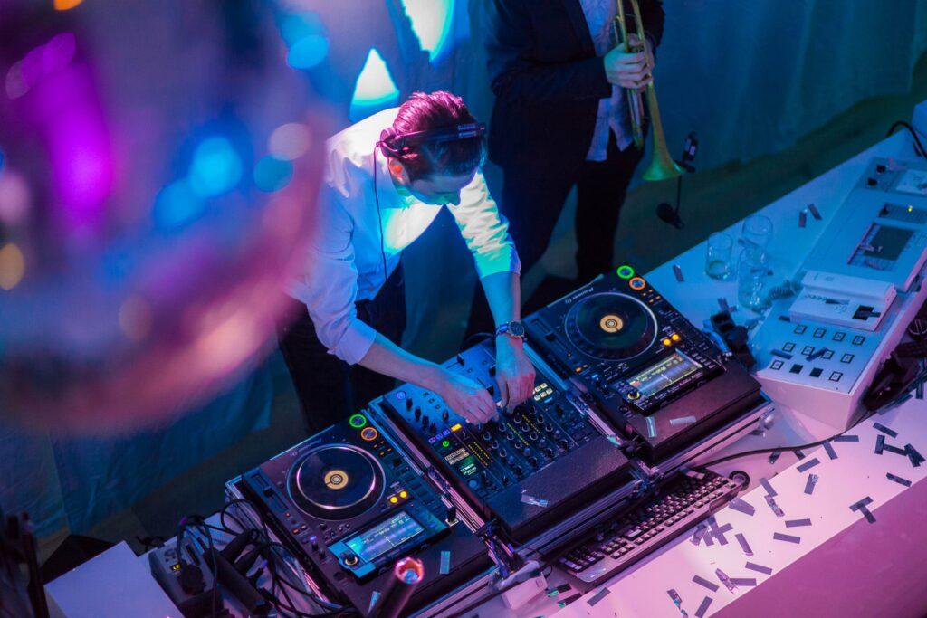 Personeelsfeest DJ B-BE